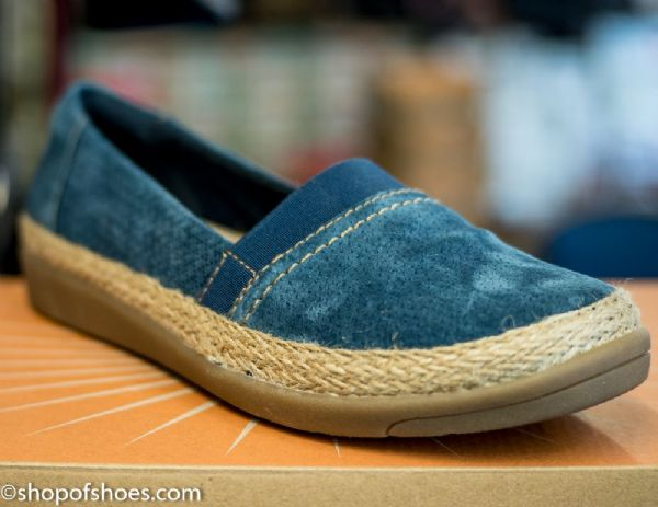 Earth spirit suede leather blue casual  lesure shoe.